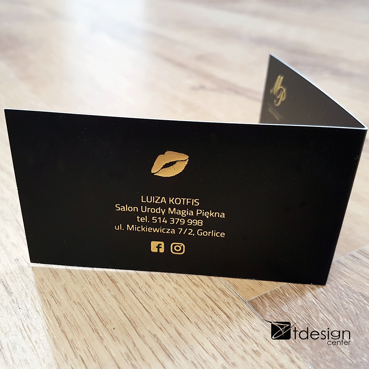Wizytówka składana z dodatkowym uszlachetnieniem LIQUID GOLD 3D 1/0, projekt + druk, realizacja dla Magii Piękna